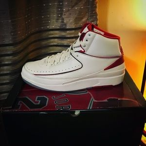 d69485241ecbf8 Jordan Shoes - Air jordan 2 og size 11 2008 release jordans !